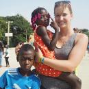 """Strávila rok v Angole: """"V Africe jsem se naučila méně spěchat a více žít přítomností,"""" říká Anna Ambrozková"""