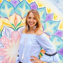 """""""Jakmile jsem začala být na sebe milá, moje nemoci začaly mizet,"""" říká terapeutka a spisovatelka Katka Kocanová"""